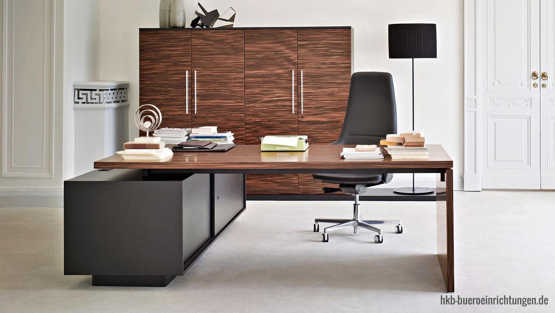 Chefbüro Senat - Arbeitszimmer Chefschreibtisch und Winkel-Sideboard