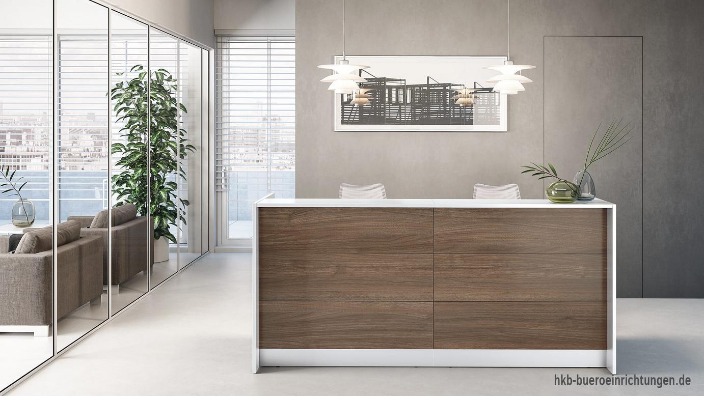 Mit Holzdekor Walnuss in Kombination mit weißem Thekenrahmen Empfang für Kunden mit kombiniertem Theken-Schreibtisch für die Kundenberatung