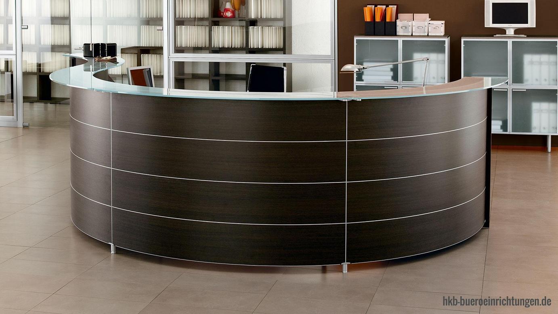 Theke Empfang mit Theken-Glassplatten mit polierten Glaskanten und Voll-Metall-Glasplattenhaltern Handwerkliche Meisterleistung in Qualität und Design im Dienste ihrer Besucher