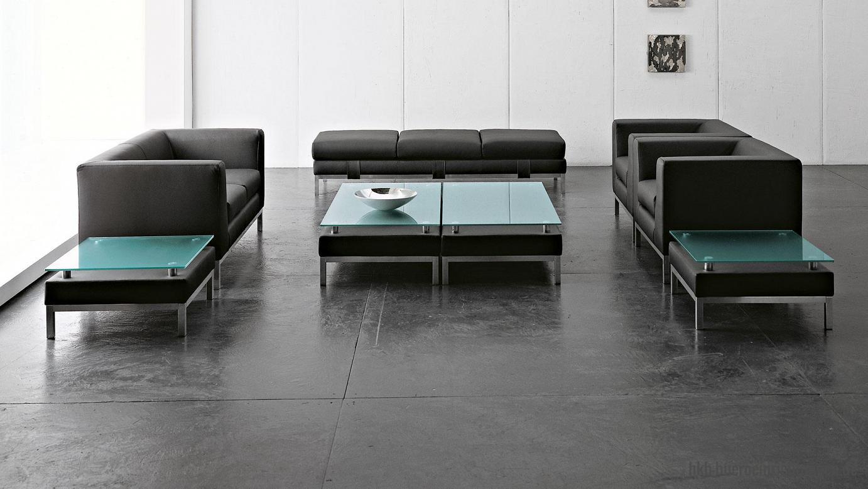 Büromöbel Sofa und Besuchersessel mit Couchtisch und satinierter Glasplatte Kunstleder schwarz