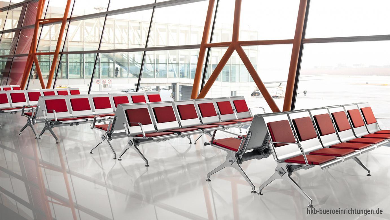 Traversenbank 6-Sitzer mit Polsterung für Sitz und Rückenlehne speziell für Warte- und Empfangsbereiche - Individuelle Polsterfarben und Polsterstoffe für jeden Geschmack